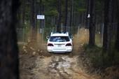 10 bức ảnh ấn tượng về GLE 400 vô rừng Off-Road