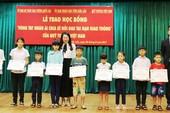 Trao học bổng Toyota 'Vòng tay nhân ái' tại Đắk Lắk