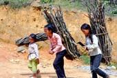 Biến đổi khí hậu khiến trẻ em mưu sinh trước tuổi