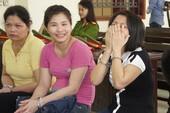 Nữ 'trùm' ma túy cười tươi khi bị tuyên án