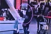 Camera sân bay ghi lại cảnh ông Kim Jong-nam bị sát hại