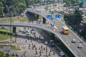 Cổng sân bay Tân Sơn Nhất thông thoáng khi có cầu vượt