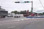 Trạm thu phí Cai Lậy 'xả cửa', dân vẫn chọn đi quốc lộ