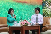 Bà Trương Mỹ Hoa truyền cảm hứng cho HS THPT Nguyễn Du