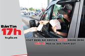 CSGT khuyên không dùng tiền lẻ mua vé qua trạm BOT