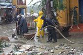 Huy động 1.000 bộ đội dọn bùn, rác sau lũ ở Hội An