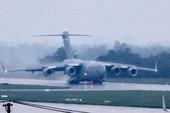 'Ngựa thồ' C-17 của Mỹ tiếp tục đáp xuống Đà Nẵng