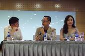 Ban tổ chức và tân Hoa hậu Ngân Anh nói về việc sửa mũi