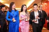 Phim Hồng Ánh đạo diễn thắng ba giải ở LHP quốc tế