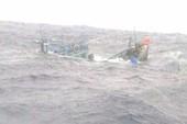Tiếp tục tìm kiếm 9 ngư dân mất tích ở Hoàng Sa