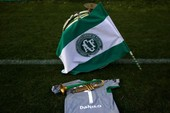 Brazil tôn vinh thủ môn qua đời vì tai nạn máy bay