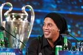 Có một Ronaldinho... e thẹn ở Việt Nam