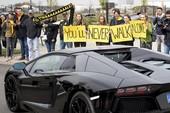 Ép Dortmund đá sớm là dã man, thiếu tình người