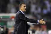 Vừa bị trảm, cựu HLV Argentina đã đến đội bóng… giàu có
