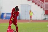 Bóng đá nữ quyết liệt nhưng rất cũng rất Fair Play