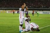 Bóng đá Indonesia hóa giải vấn đề tôn giáo