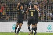 Thủ môn sai lầm, U22 Malaysia lại dâng cúp cho Thái Lan