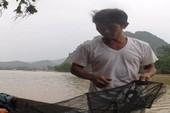 Người hùng Sông Gianh vượt lũ dữ cứu người