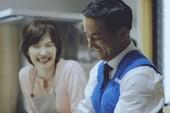 Chính trị gia Nhật Bản 'gây bão' với clip 'bụng bầu'