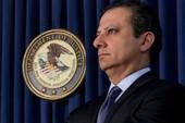 Ông Trump 3 lần gọi điện 'bất thường' cho công tố viên