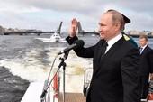 Ảnh: Hơn 100 tàu chiến Nga rầm rộ phô diễn sức mạnh