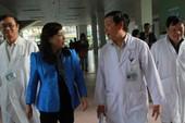 Bộ trưởng y tế đến thăm ông Nguyễn Bá Thanh