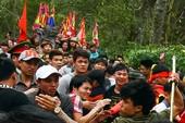 Phó Ban tuyên giáo Hà Nội: 'Cướp được lộc thánh là may mắn'