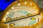 Khoang hạng nhất dát vàng trên máy bay Emirates