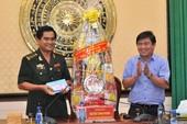 Chủ tịch Nguyễn Thành Phong thăm, chúc tết nhiều đơn vị