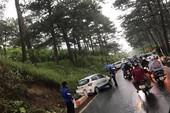 Đà Lạt: Tắc đường đèo Prenn vì 4 ô tô tông liên hoàn
