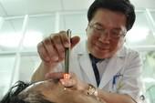 Audio: Ông Huỳnh Văn Nén bị té xe xuất huyết não, gãy xương đòn trái