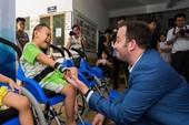 Israel tặng xe lăn hy vọng cho trẻ khuyết tật Việt Nam