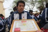 Trung ương Đoàn tặng bằng khen cho học sinh cứu người