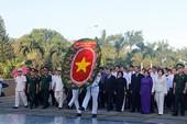 Tri ân các liệt sĩ và mẹ Việt Nam anh hùng