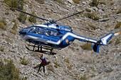 Tai nạn máy bay A320 ở Pháp: Chưa tìm thấy thi thể nào nguyên vẹn