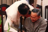 Phú 'chọi trâu' in sách chống tham nhũng