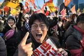 Tổng thống Hàn Quốc bị ngưng chức