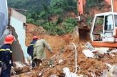 Lở núi kinh hoàng ở Nha Trang, 4 người chết
