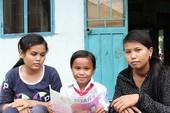 3 chị em Raglai mồ côi nuôi nhau