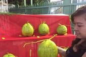Trái cây tạo hình 'độc' ra chợ tết Sài Gòn