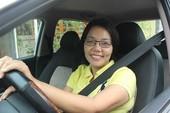 Nữ tài xế cứu người gặp nạn giữa khuya