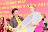 Chủ tịch Quốc hội gặp mặt các nữ đại sứ tại Việt Nam
