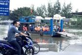 Người Sài Gòn xếp hàng chờ đò qua sông