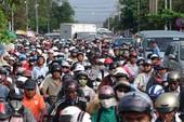'Công và tội' của xe máy