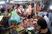 Thịt heo Việt Nam rẻ nhất thế giới, ai hưởng lợi?