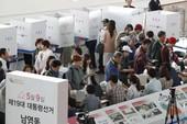 Dân Hàn Quốc bỏ phiếu sớm bầu tổng thống mới
