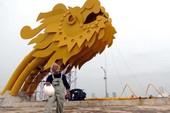 Điêu khắc gia 70 tuổi chạy sô hơn cả thanh niên