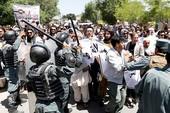 Căng thẳng ở Kabul với biểu tình, hăm dọa