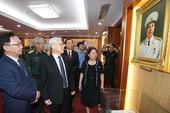Tổng Bí thư tưởng niệm Đại tướng Nguyễn Chí Thanh