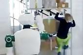 Thực hư vụ robot Nga ra tay cứu bé gái